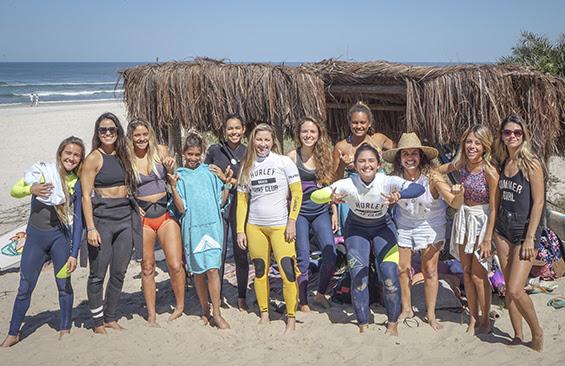 Concurso de bikini club de surf