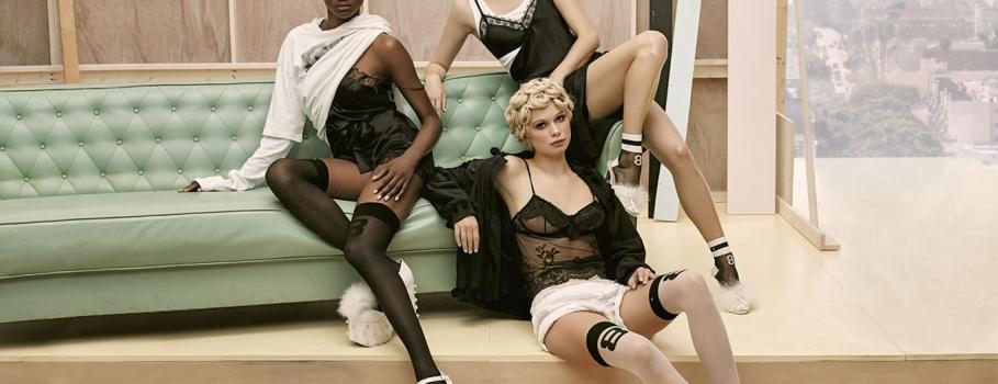 Rihanna sensualiza coleção de meias Stance